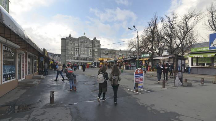 Основний транзитний шлях поглинутий МАФами / Відновлення скверу №3 на Контрактовій площі
