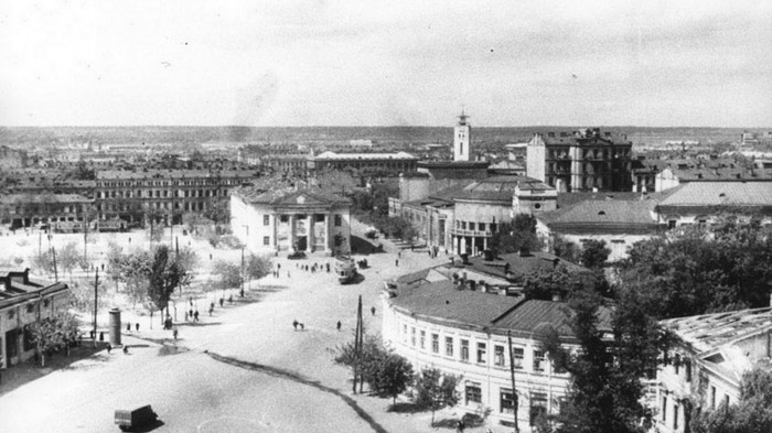 1945 / «Нова Контрактова»