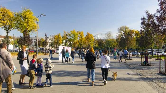 / Відновлення скверу №3 на Контрактовій площі