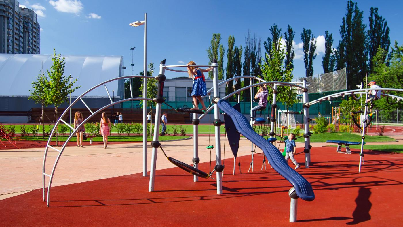 Реалізація проекту облаштування території Новопечерської школи в Києві