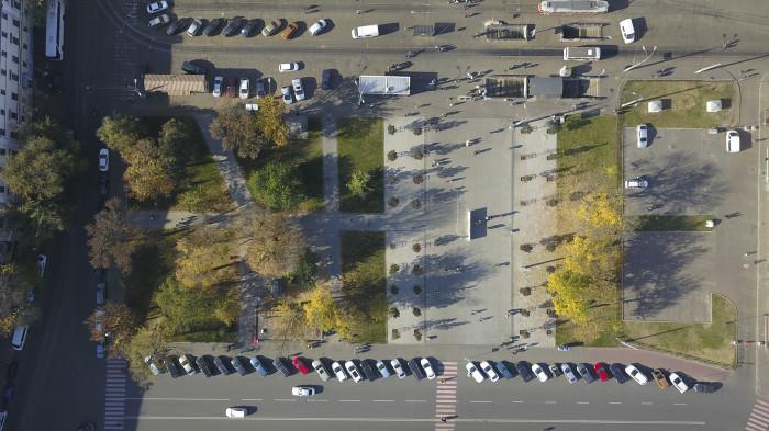 Звільнений простір скверу / Відновлення скверу №3 на Контрактовій площі