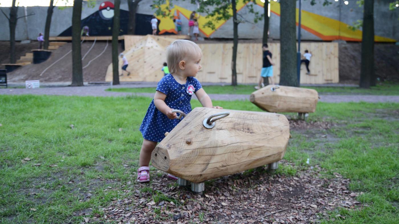 Індивідуальний дитячий елемент «Свинки» / Парк «Празький»