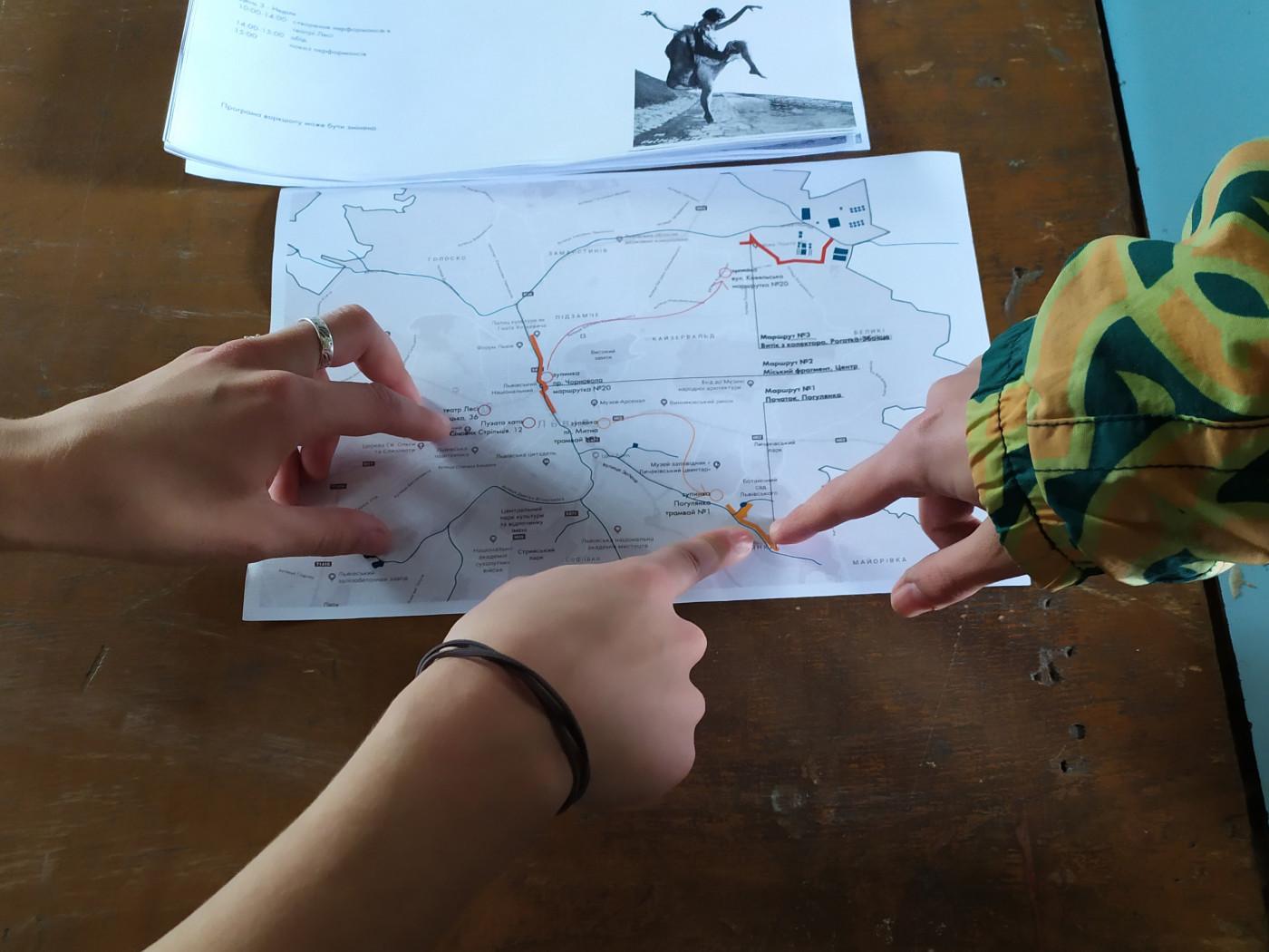 Мапа з маршрутами