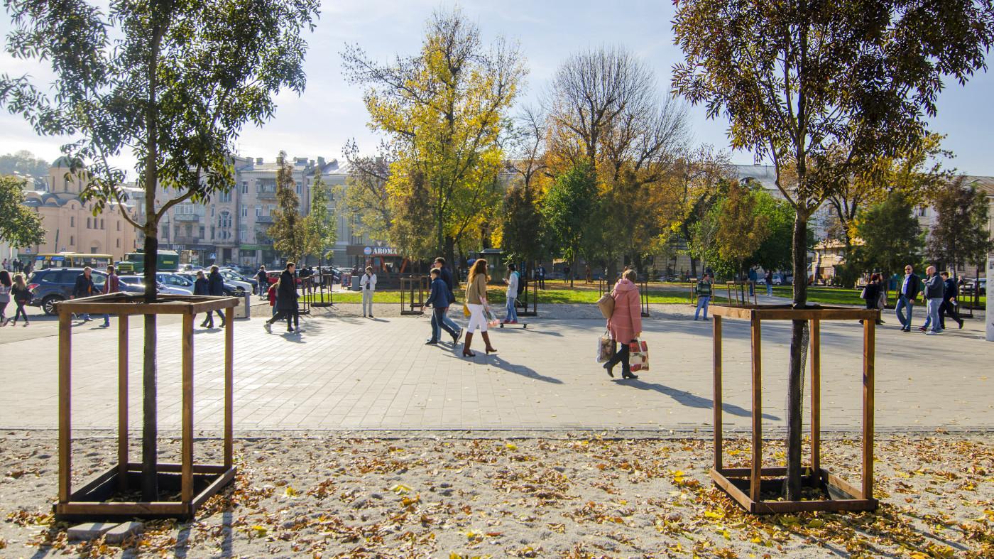 / 花园#3 -康特拉克托瓦广场